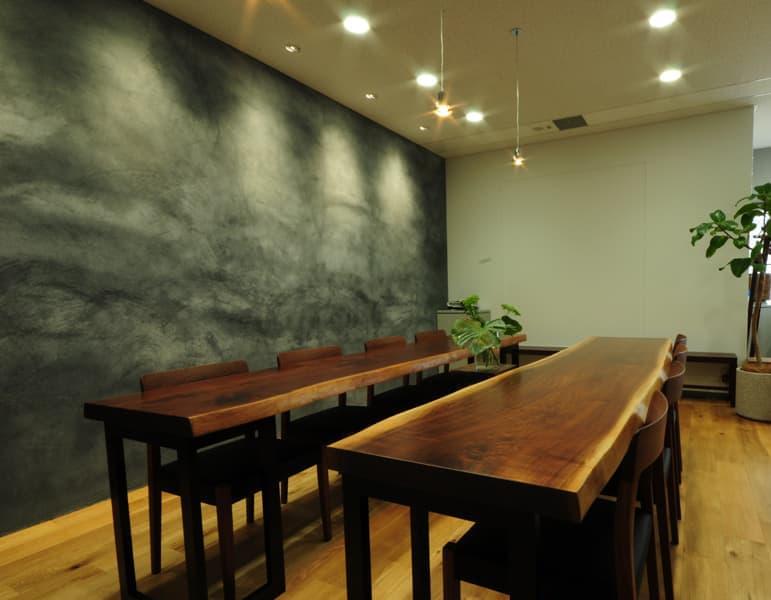 大阪总部 - 会议室